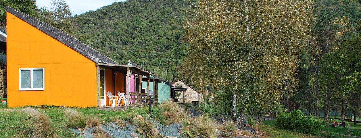 Locations de lodges au camping nature l'Ecrin vert en Aveyron
